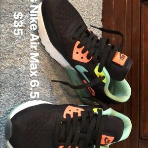 Nike Air Maxes Children 5= Women's 6.5